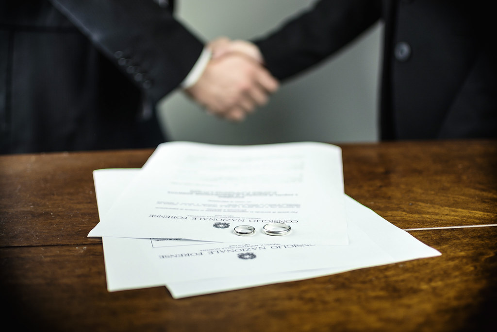 Top 5 Tips for Hiring and Choosing the Best Divorce Lawyer