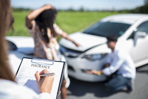 Steps To Take If You Feel Shoulder Pain After a Car Accident